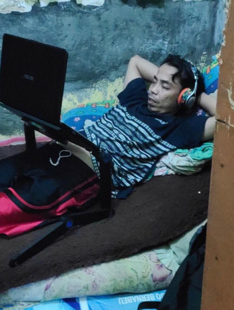 laptop4.jpeg